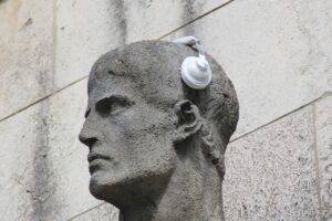 Звук, сенсорный маркетинг